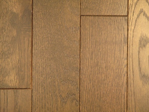 http://evergreenfloorsanddoors.com/wp-content/uploads/Oak-Saddle-Sculpted-3in-3.00-sq-ft.1.jpg